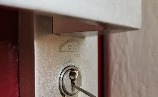 sleutel afgebroken in slot - slotenmaker bellen